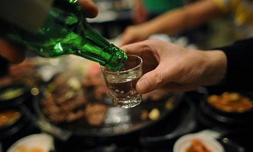 Uống rượu bia dễ khiến bạn không nạp đủ các thực phẩm dinh dưỡng khác